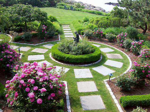 February 2012 thinking outside the boxwood for Formal rose garden layout