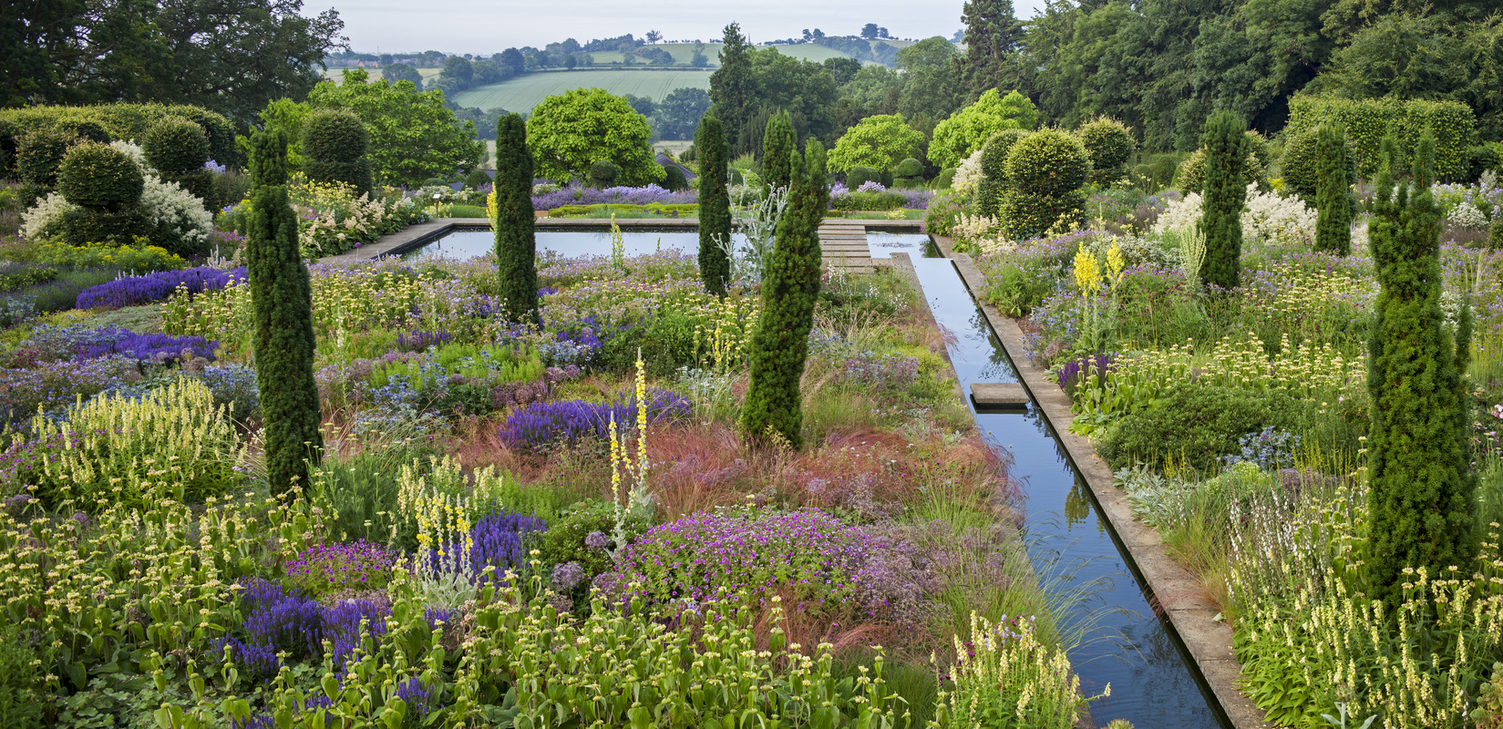 The gardens at Broughton Grange, Oxfordshire. Designer Tom Stuart-Smith, Thinking Outside the Boxwood