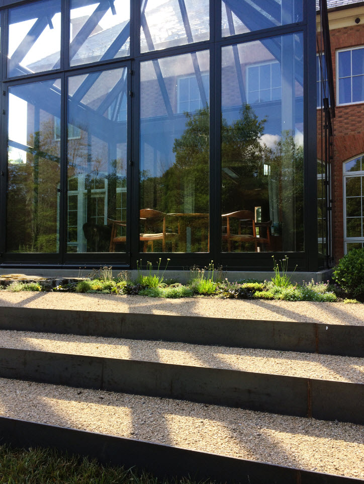 Behind the Gardenista Garden Design- McCullough's Landscape & Nursery, Thinking Outside the Boxwood