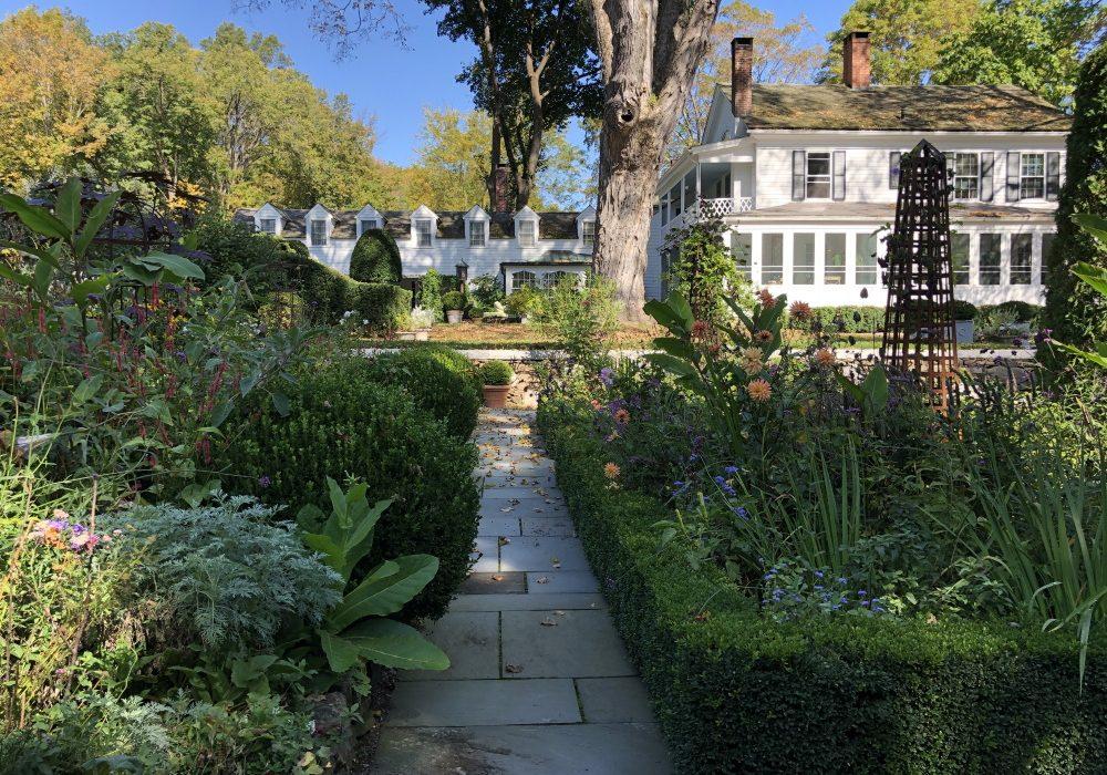 Garden Tours Thinking Outside The Boxwood